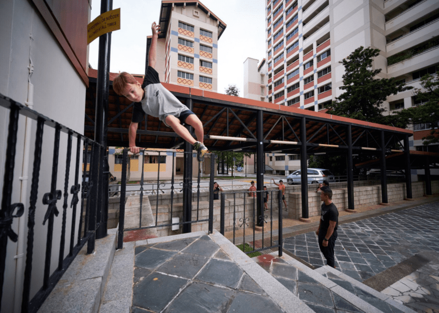 Parkour in Singapore - a unique sport for teenagers